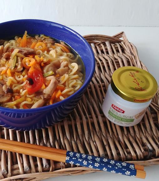 Zuppa di noodles con Estratto vegetale Liebig